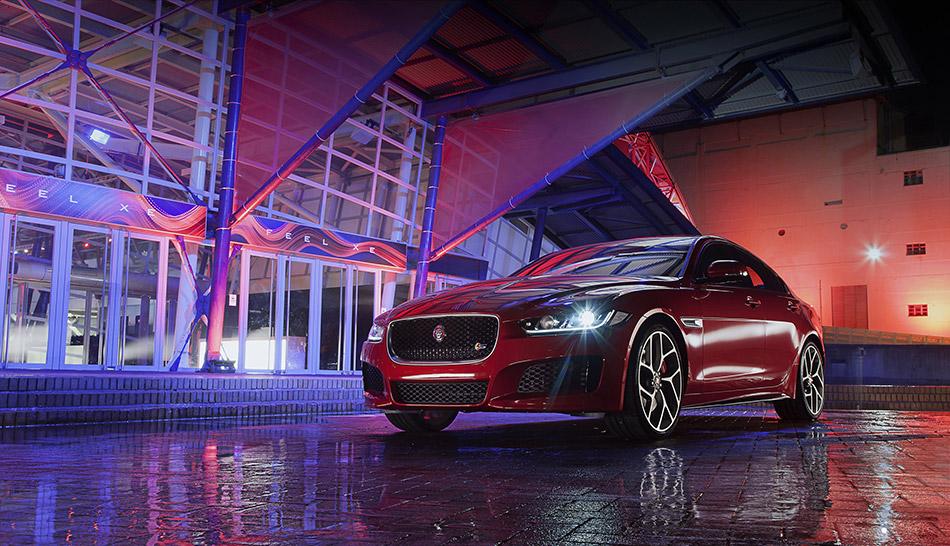 2016 Jaguar XE S Front Angle
