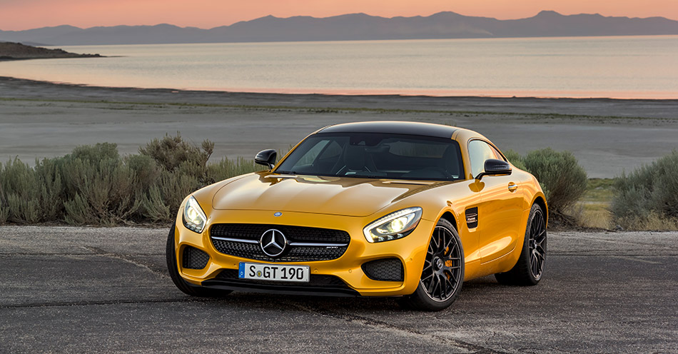 2016 Mercedes-Benz AMG GT Front Angle