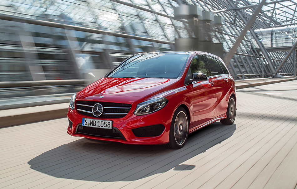 2014 Mercedes-Benz B-Class Front Angle
