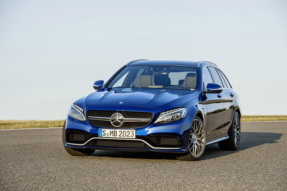 2015 Mercedes-Benz C63 AMG Estate Front Angle