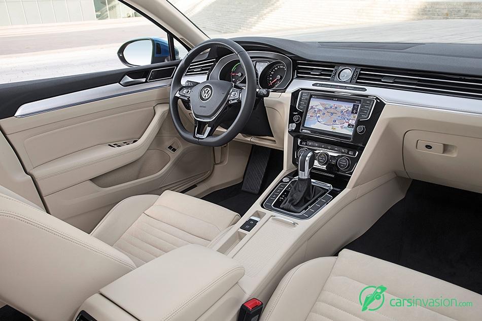 2015 Volkswagen Passat GTE Interior