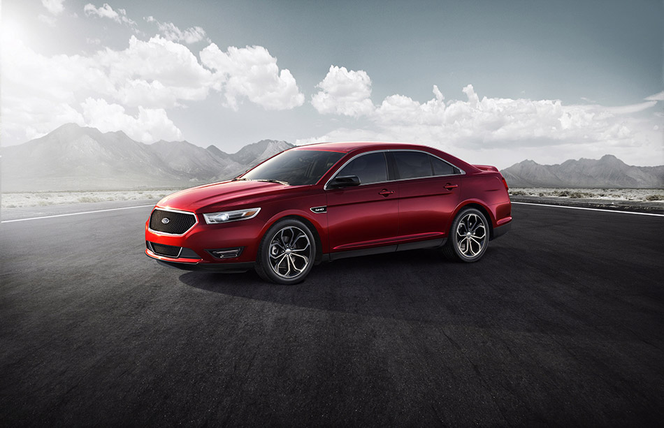 2013 Ford Taurus SHO Front Angle