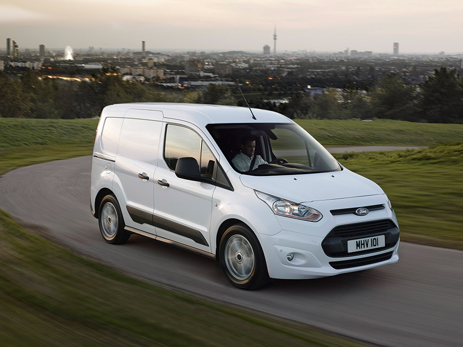 2014 Ford Transit Connect Front Angle
