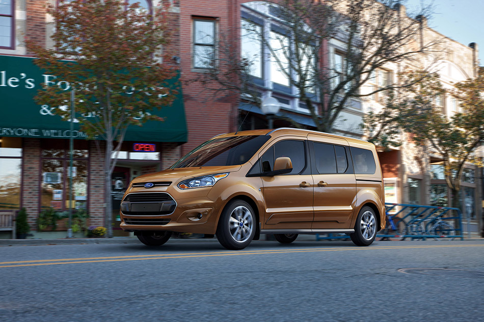 2014 Ford Transit Connect Wagon Front Angle