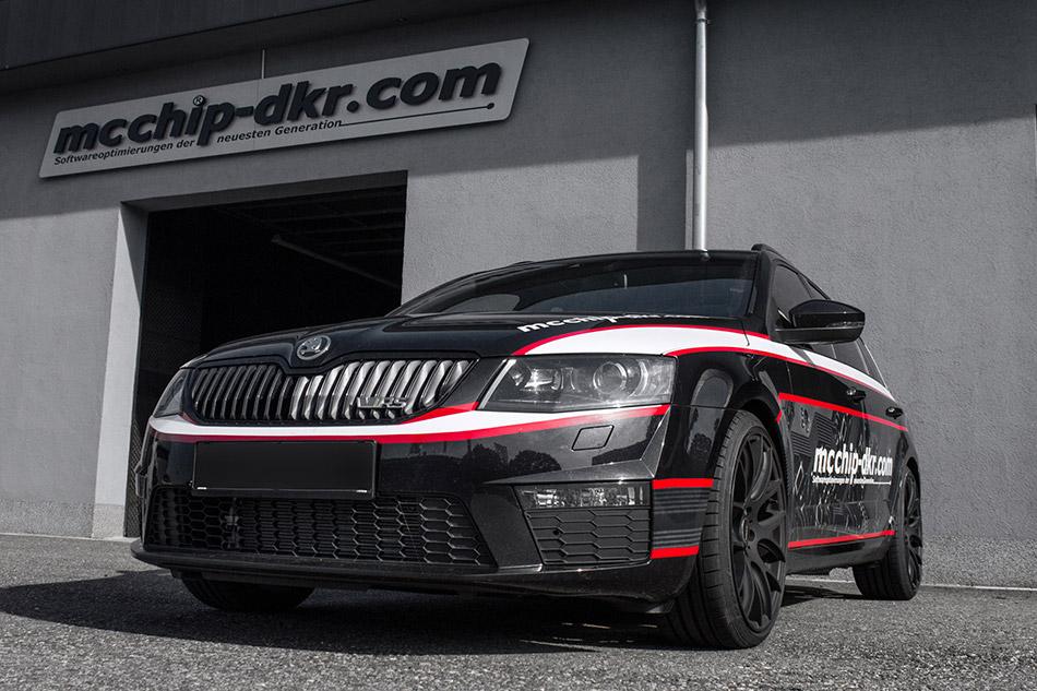 2014 MCCHIP-DKR Skoda Octavia III Front Angle