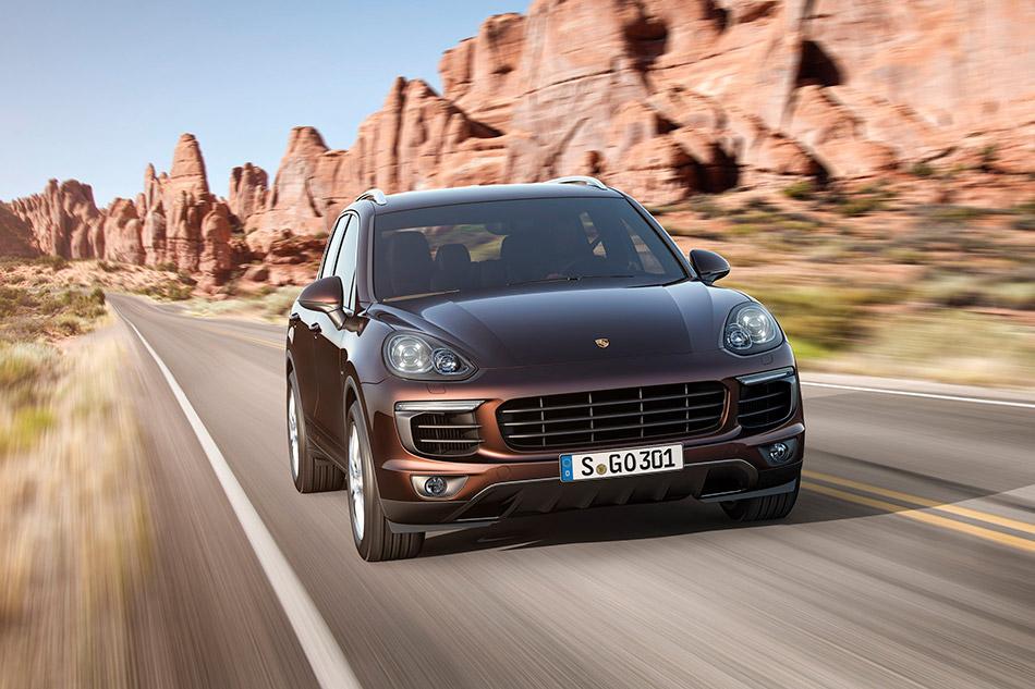 2015 Porsche Cayenne Front Angle