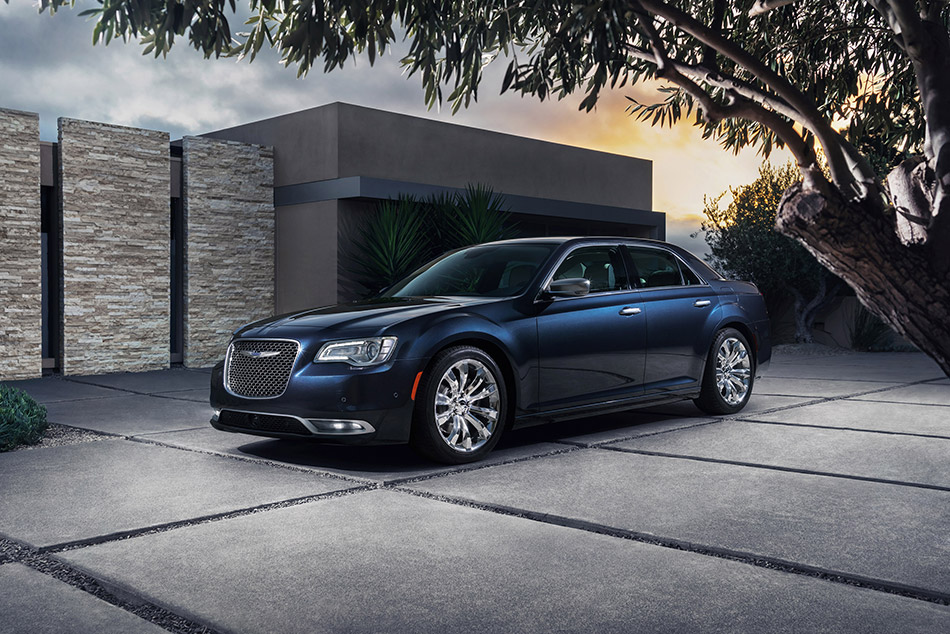 2015 Chrysler 300 Front Angle