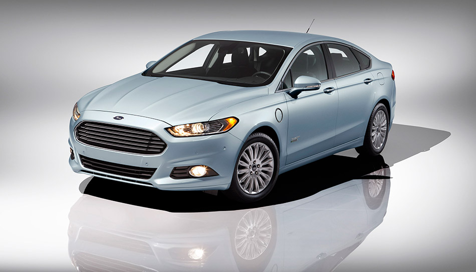 2013 Ford Fusion Energi Front Angle