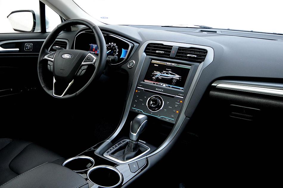 2013 Ford Fusion Hybrid Interior