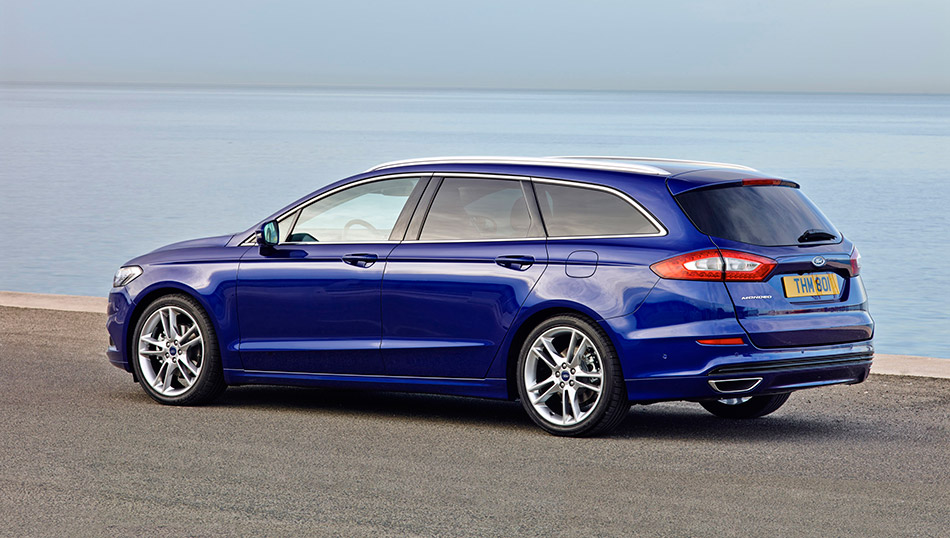 2015 Ford Mondeo Wagon Rear Angle