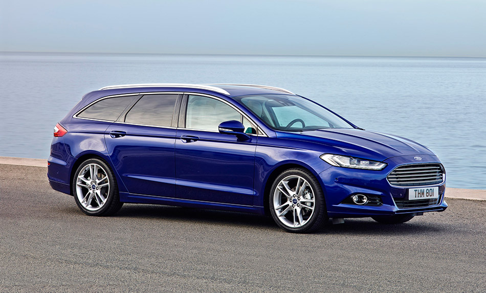 2015 Ford Mondeo Wagon Front Angle