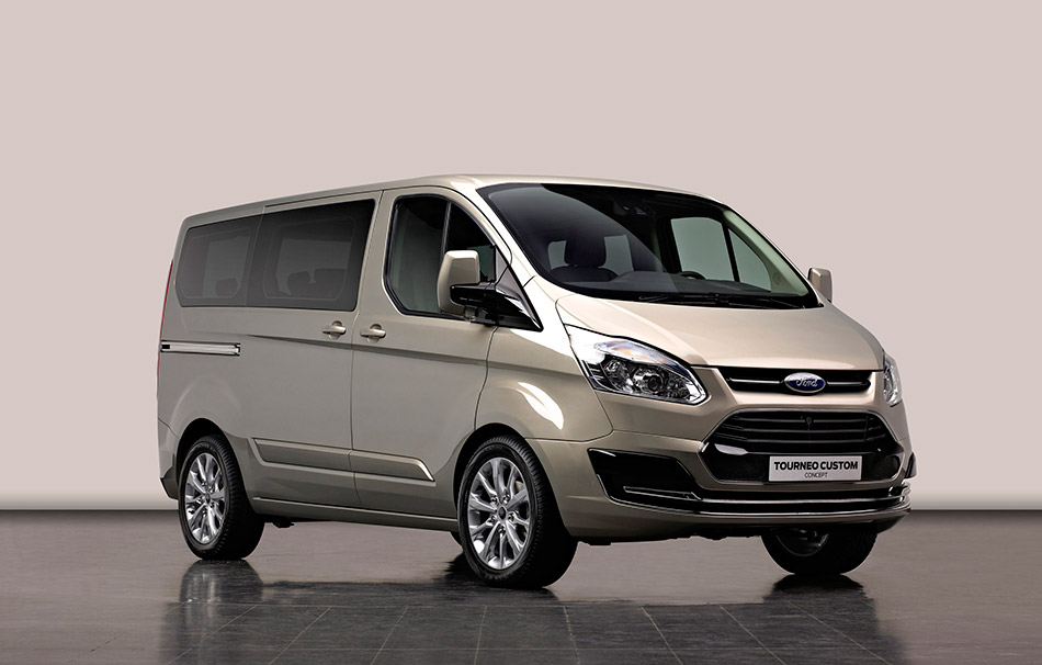2012 Ford Tourneo Custom Concept Front Angle