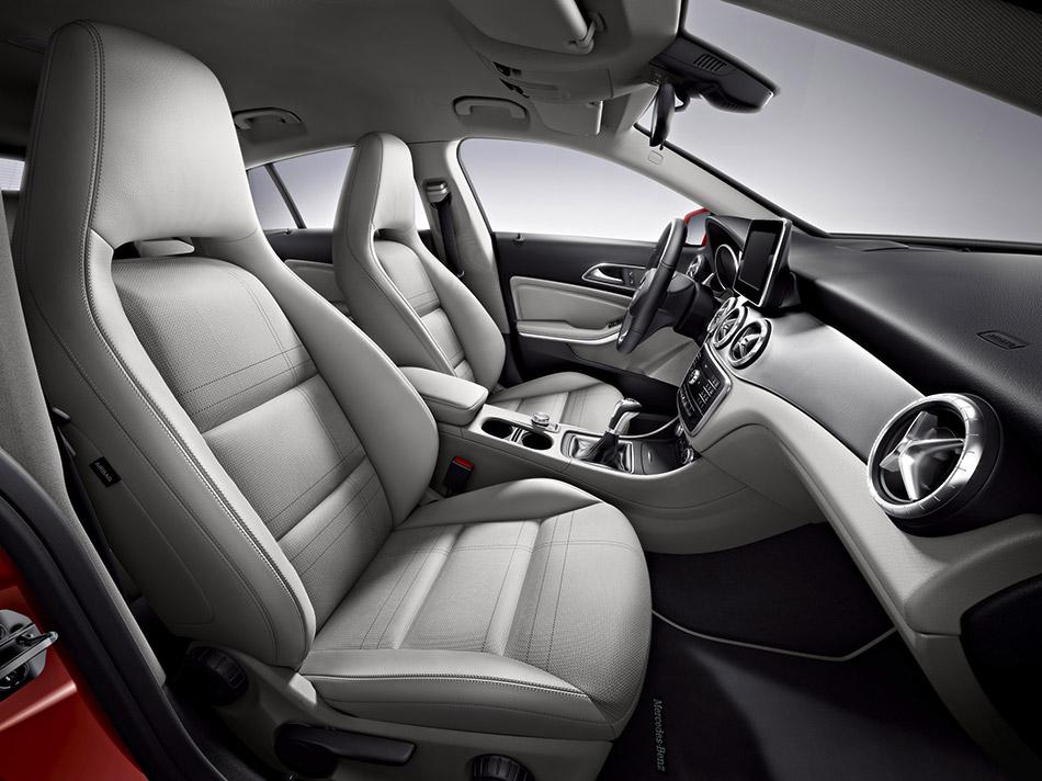 2016 Mercedes-Benz CLA Shooting Brake Interior