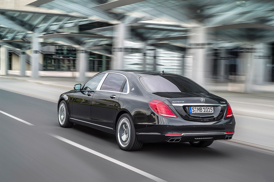 2016 Mercedes-Benz S-Class Maybach Rear Angle