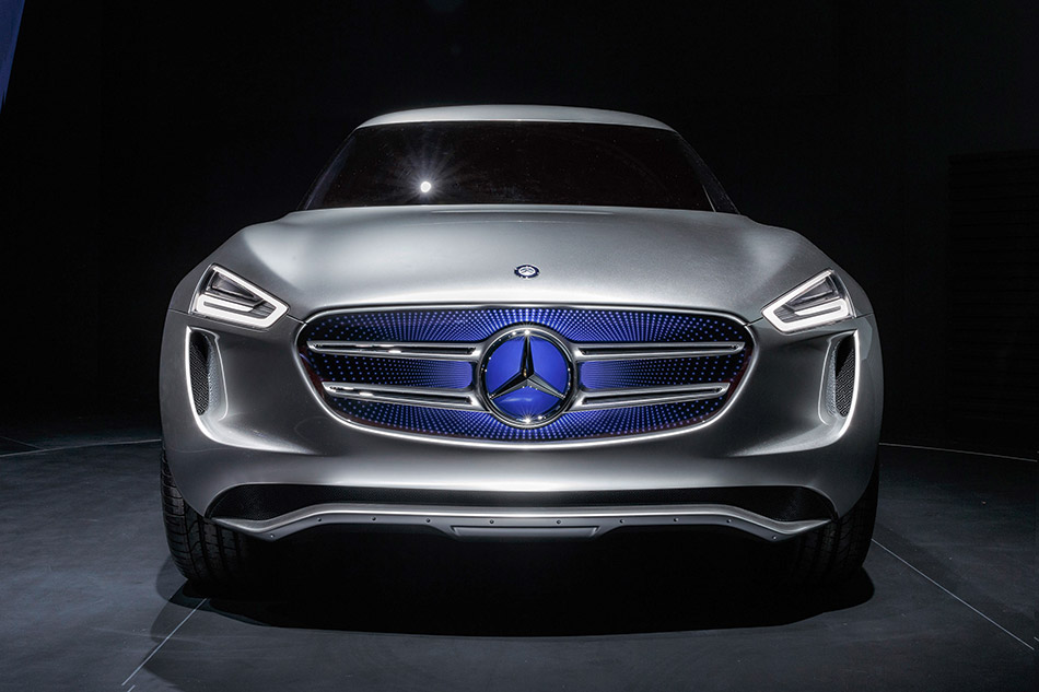 2015 Mercedes-Benz Vision G-Code Front Angle