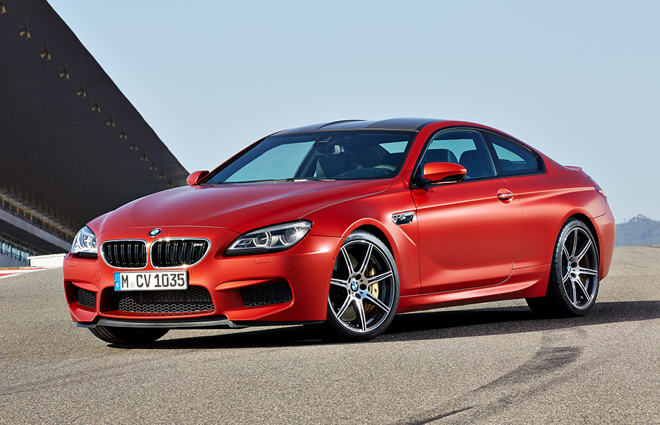 2015 BMW M6 Coupe Front Angle