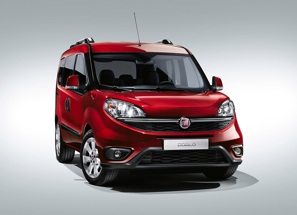 2015 Fiat Doblo Front Angle