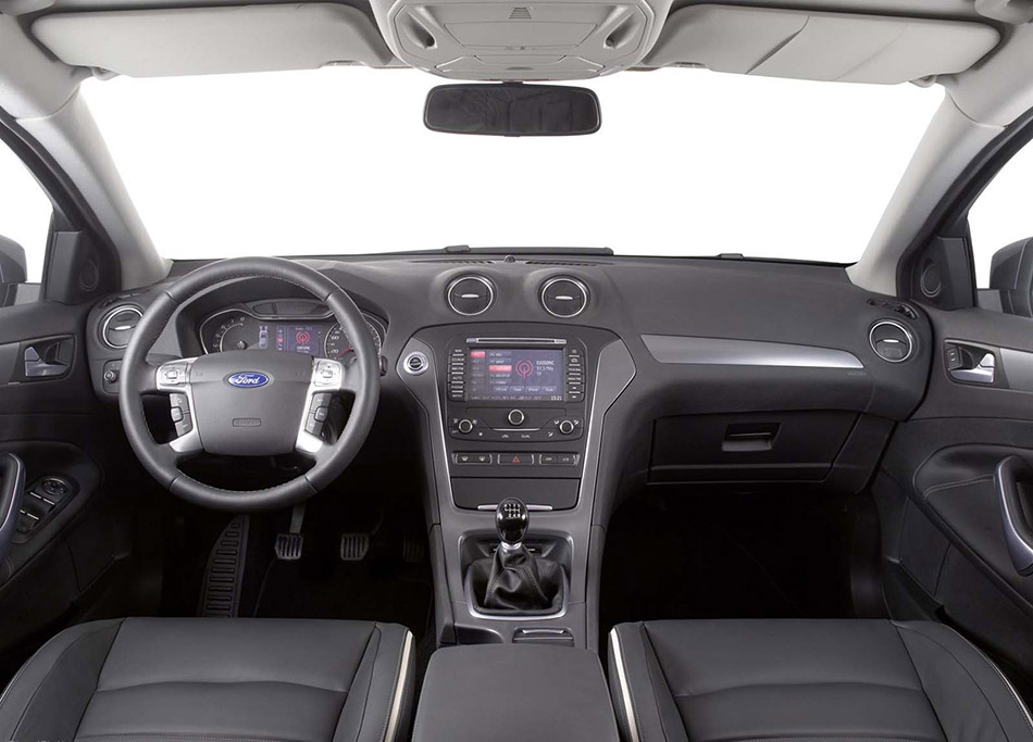 2011 Ford Mondeo 5-door Interior