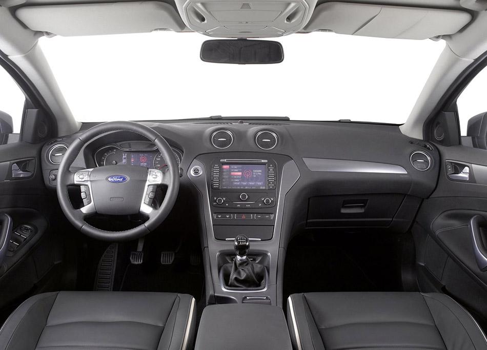 2011 Ford Mondeo Wagon Interior