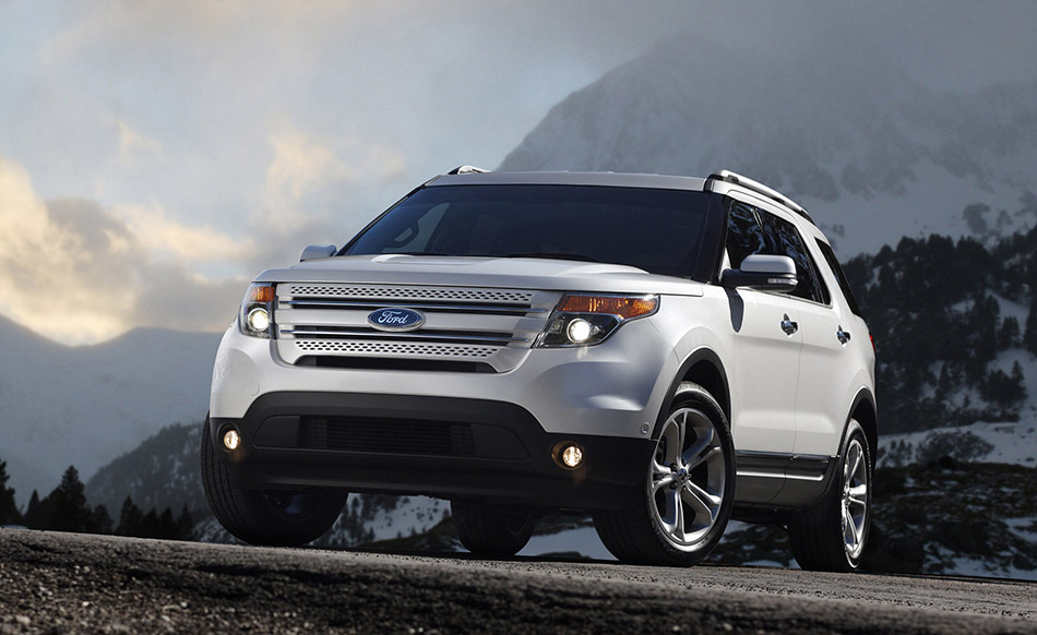 2011 Ford Explorer Front Angle