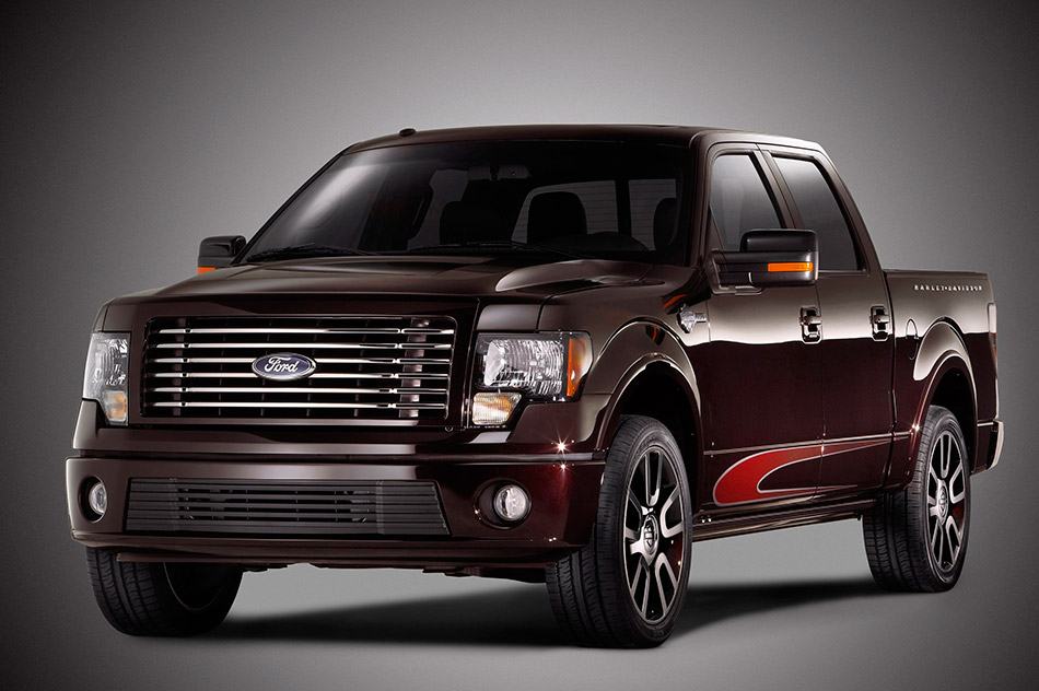 2010 Ford F-150 Harley-Davidson Front Angle