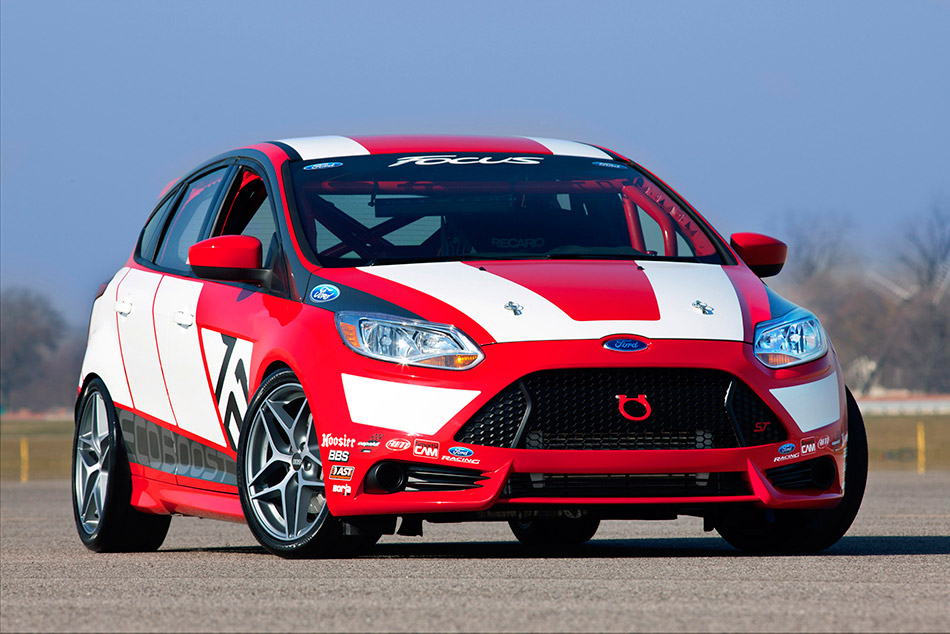 2010 Ford Focus Race Car Concept Front Angle