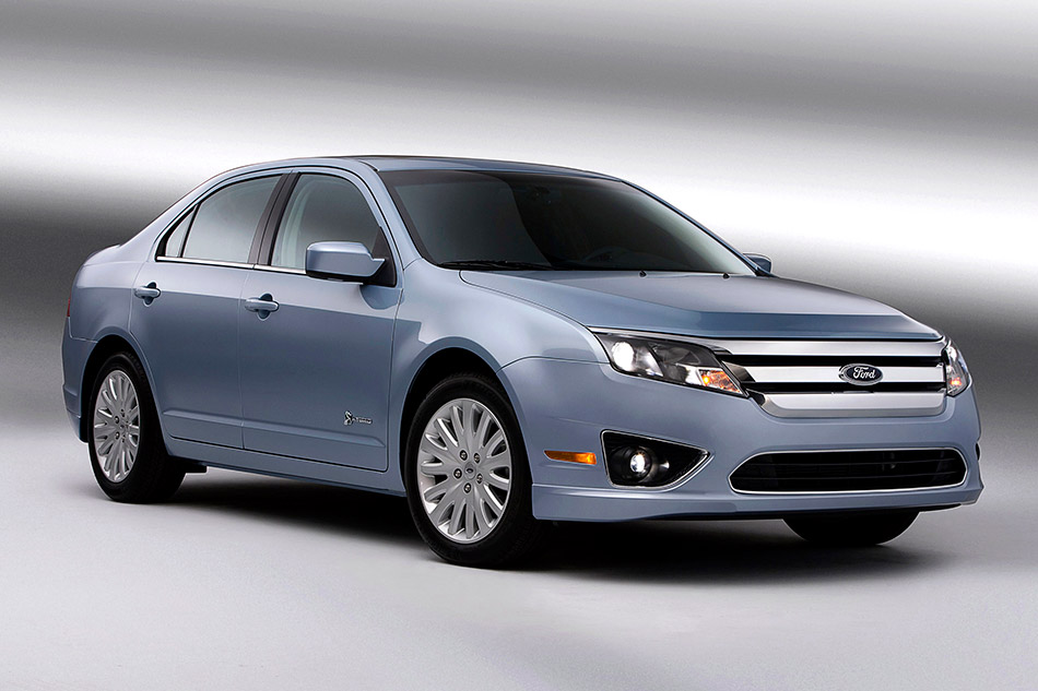 2010 Ford Fusion Hybrid Front Angle