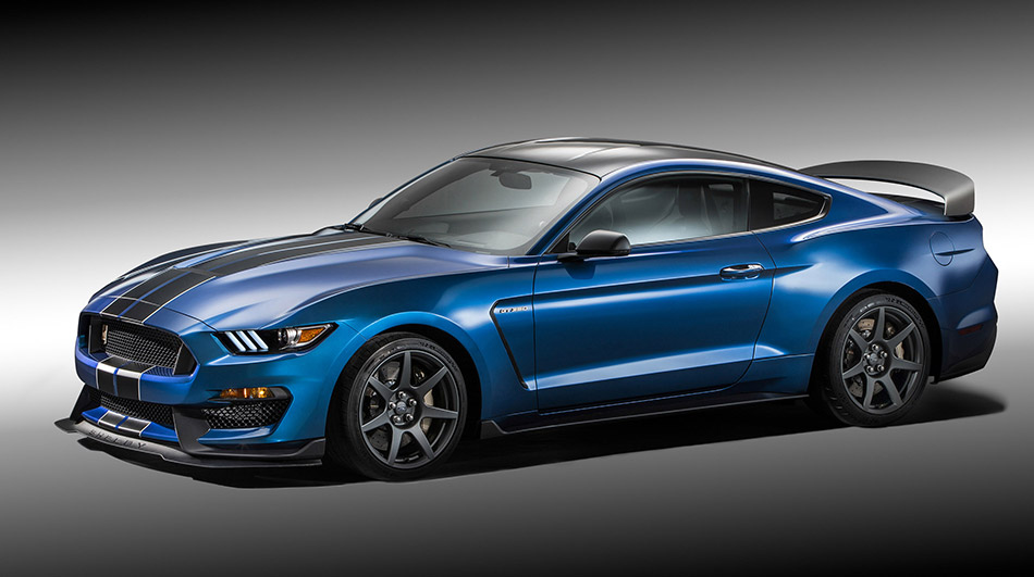 2015 Ford Mustang Shelby GT350R Front Angle