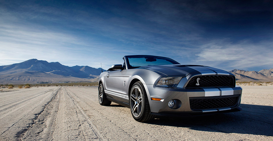 2010 Ford Mustang Shelby GT500 Convertible Front Angle