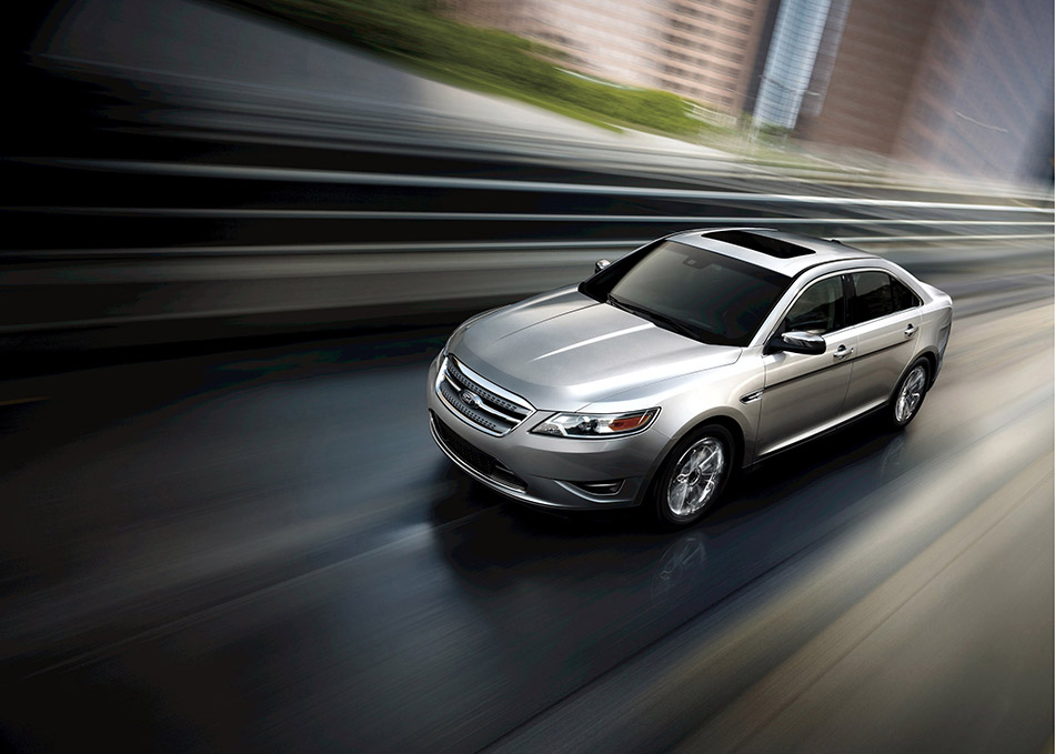 2010 Ford Taurus Front Angle