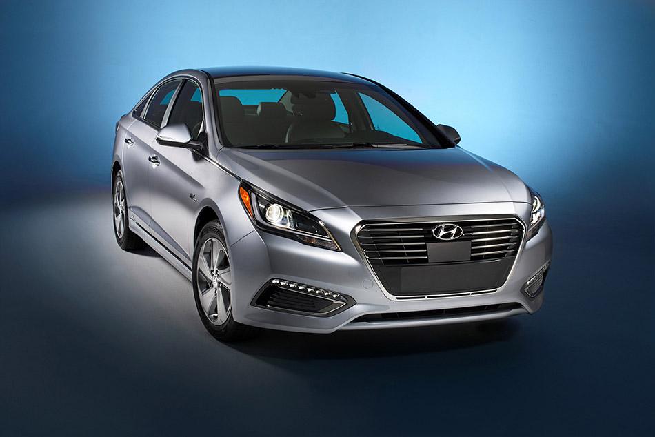 2016 Hyundai Sonata Plug-in Hybrid Front Angle