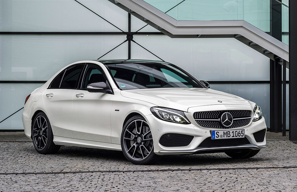 2016 Mercedes-Benz C450 AMG 4Matic Front Angle