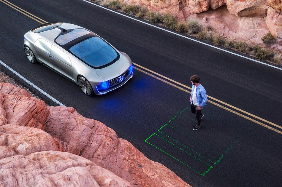 2015 Mercedes-Benz F015 Luxury in Motion Concept Pedestrian