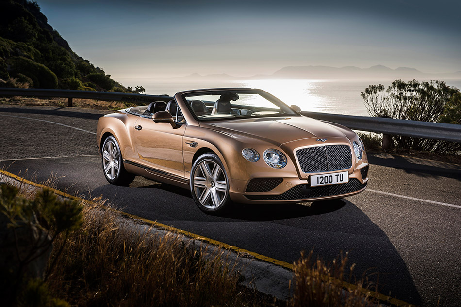 2016 Bentley Continental GT Convertible Front Angle