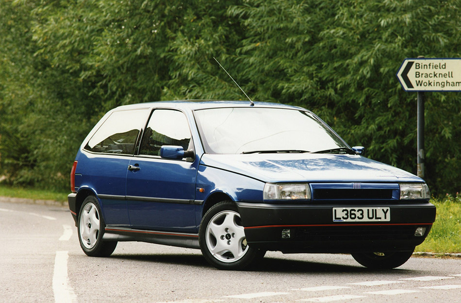 1993 Fiat Tipo 16V Front Angle