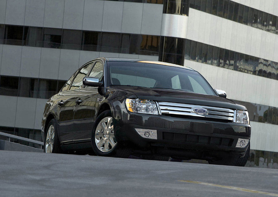 2008 Ford Five Hundred Front Angle