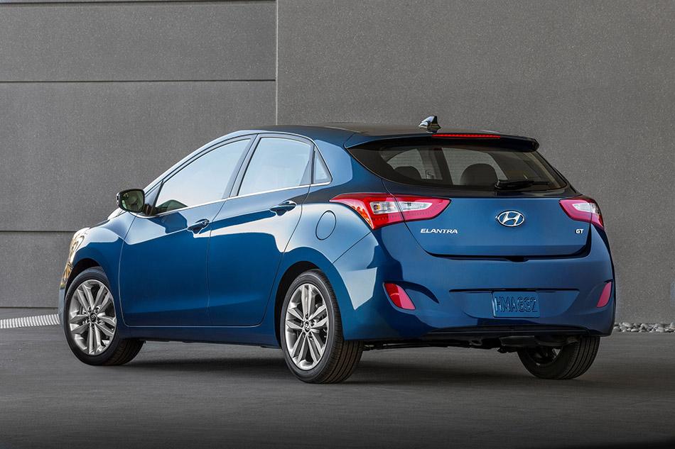 2016 Hyundai Elantra GT Rear Angle