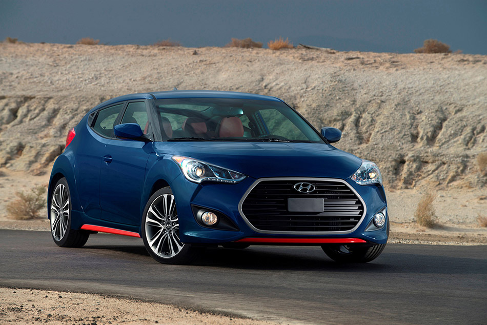 2016 Hyundai Veloster Front Angle