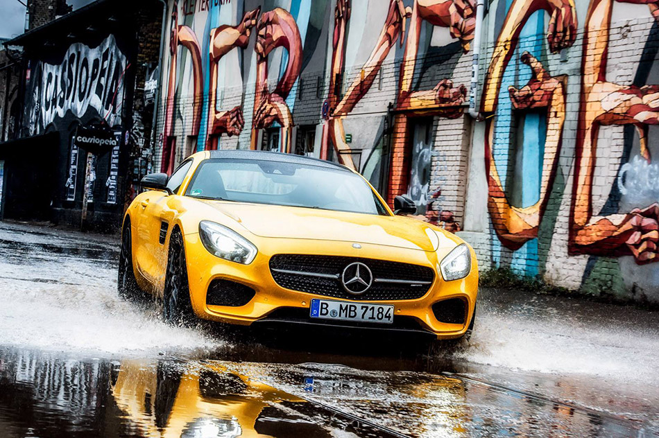 2015 Mercedes-Benz AMG GT S Berlin Front Angle
