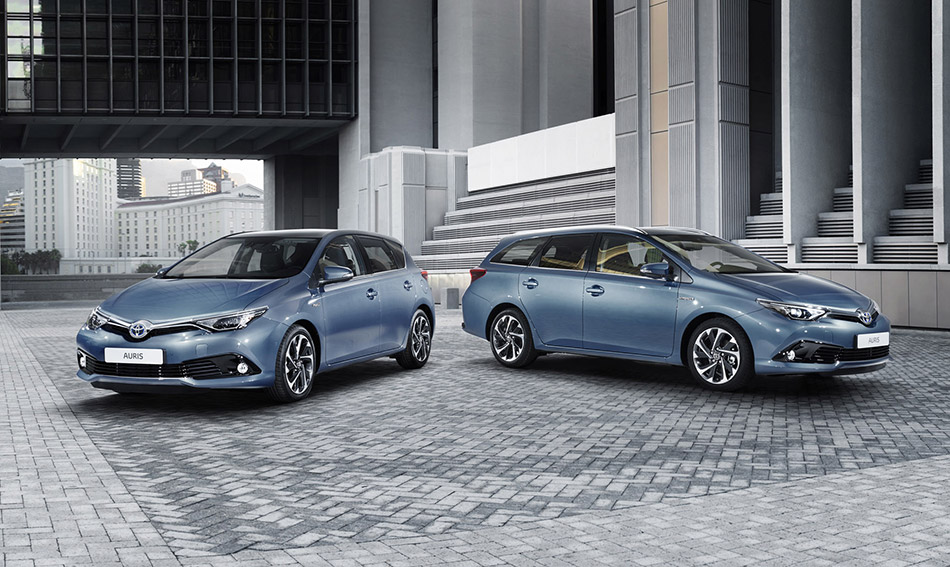 2016 Toyota Auris Front Angle
