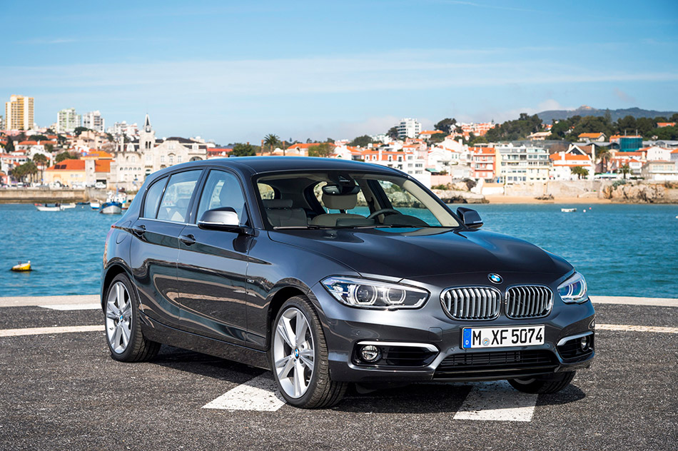 2016 BMW 1-Series Urban Line Front Angle