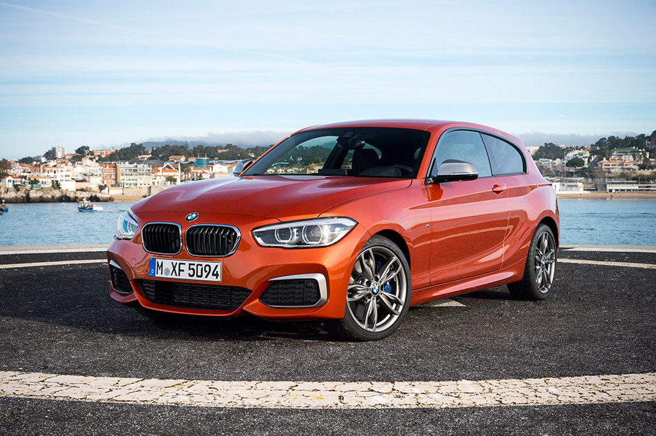 2016 BMW M135i Front Angle