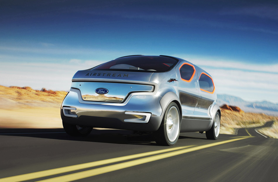2007 Ford Airstream Concept Front Angle