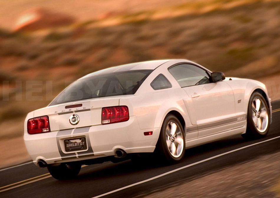 2007 Ford Mustang Shelby GT Rear Angle