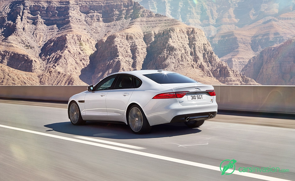 2016 Jaguar XF Rear Angle
