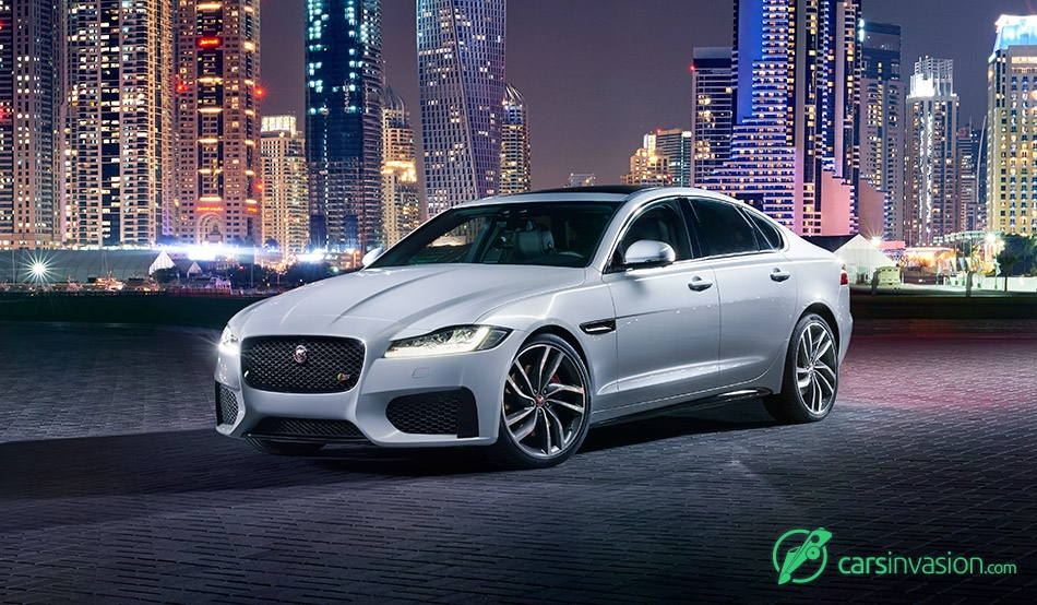 2016 Jaguar XF Front Angle