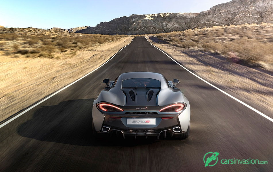 2016 McLaren 570S Coupe Rear Angle