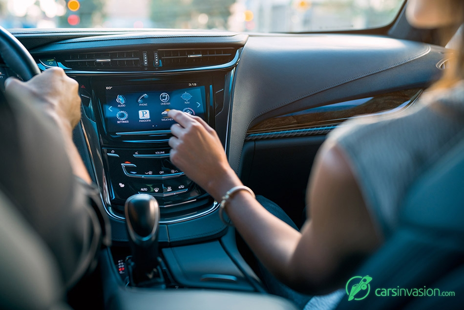 2016 Cadillac ELR Display Options