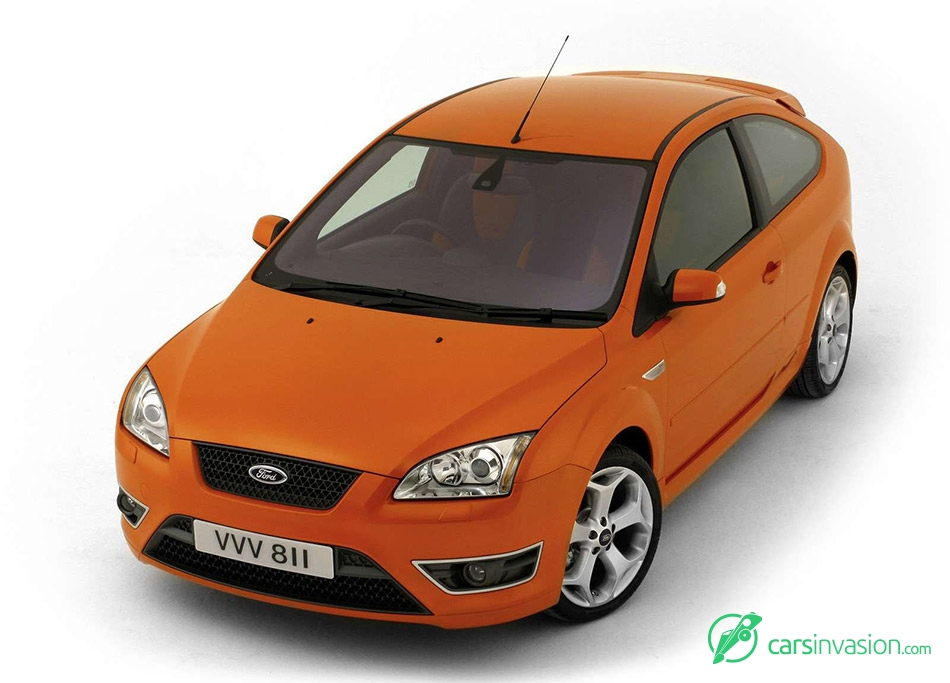 2006 Ford Focus ST Front Angle