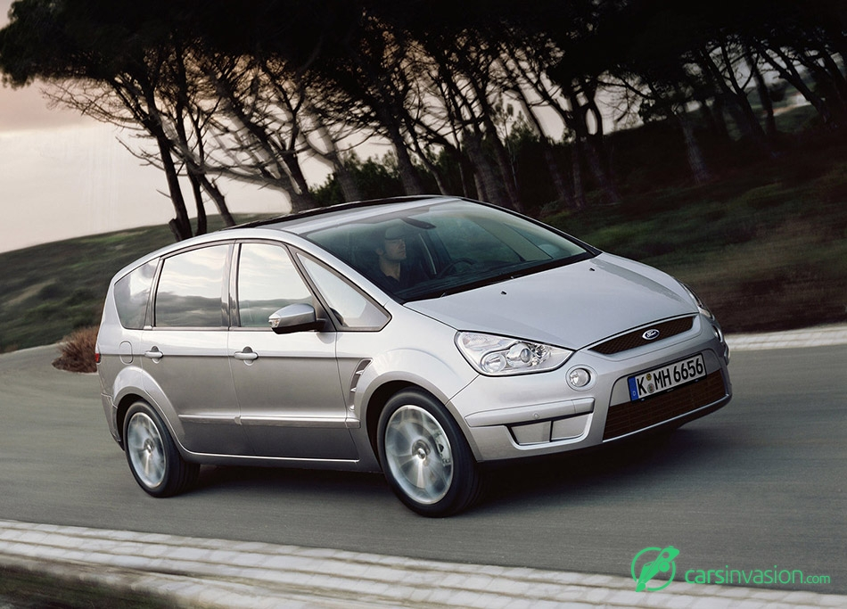 2006 Ford S-MAX Front Angle